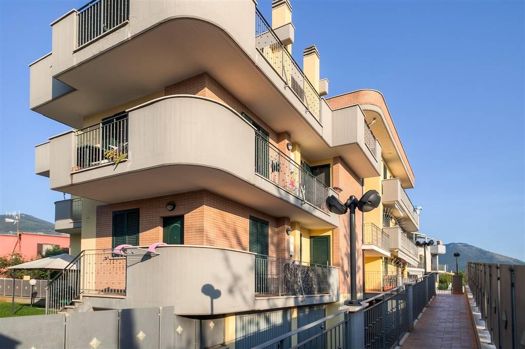 Appartamento in vendita a Sermoneta, 4 locali, zona Località: PONTENUOVO, prezzo € 187.000 | CambioCasa.it