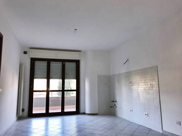 Appartamento in vendita a Sermoneta, 2 locali, zona Località: PONTENUOVO, prezzo € 100.000 | CambioCasa.it