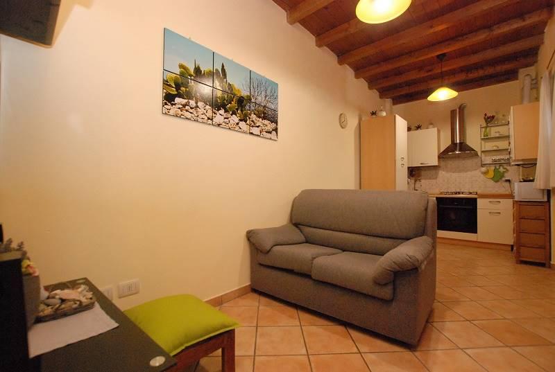 Appartamento in vendita a Rosate, 2 locali, prezzo € 79.000 | PortaleAgenzieImmobiliari.it