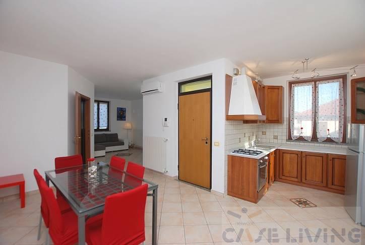 Appartamento in vendita a Casorate Primo, 3 locali, prezzo € 154.000 | CambioCasa.it