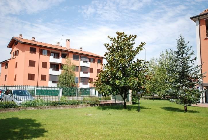 Appartamento in vendita a Noviglio, 3 locali, prezzo € 140.000 | CambioCasa.it