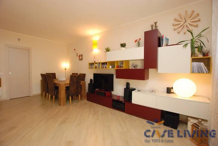 Appartamento in vendita a Casorate Primo, 3 locali, prezzo € 175.000 | CambioCasa.it