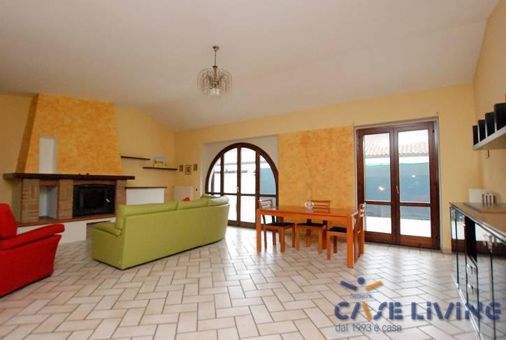 Villa Bifamiliare in vendita a Noviglio, 4 locali, zona Località: NOVIGLIO, prezzo € 249.000 | PortaleAgenzieImmobiliari.it