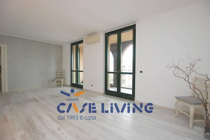 Appartamento in vendita a Rosate, 4 locali, prezzo € 258.000 | CambioCasa.it