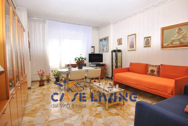 Appartamento in vendita a Cesano Boscone, 3 locali, prezzo € 215.000 | CambioCasa.it
