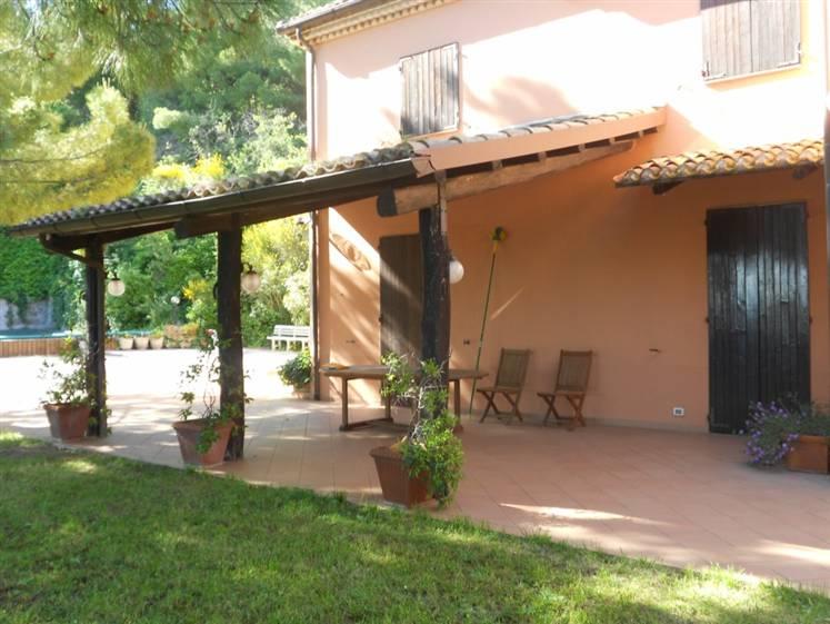 Casa singola, Poggio Di Ancona, Ancona, in ottime condizioni