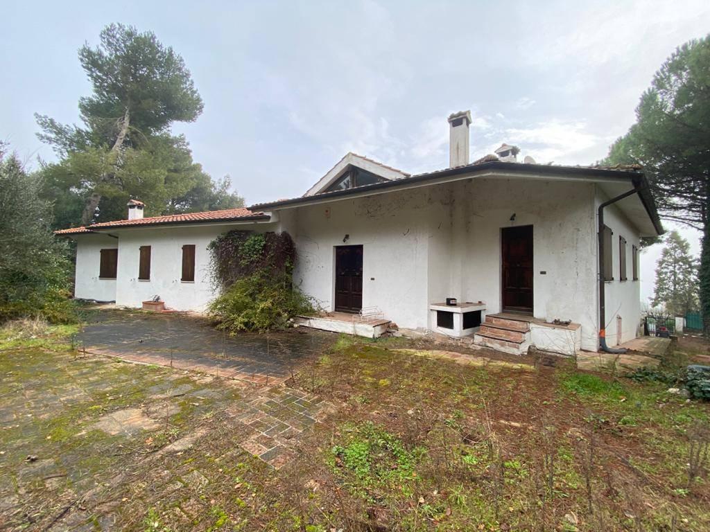 Villa, Taglio Di Barcaglione, Ancona, da ristrutturare