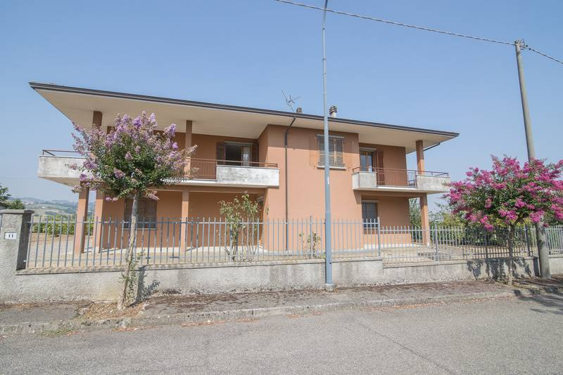Villa, Agazzano
