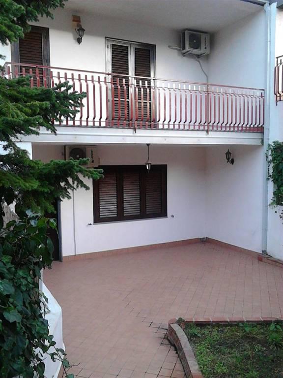 Villa, Trecastagni, in ottime condizioni