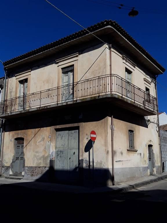 Casa singola, Belpasso, da ristrutturare