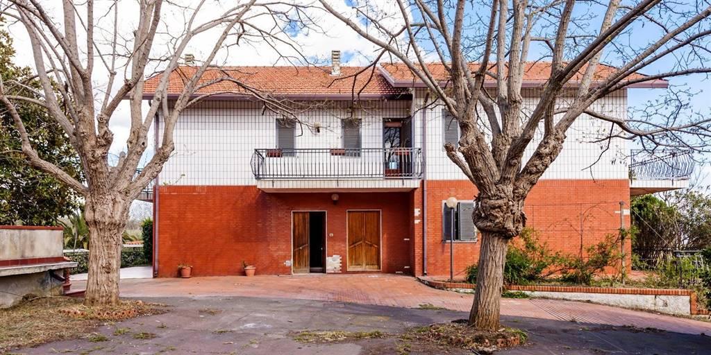 Villa, Pedara, da ristrutturare