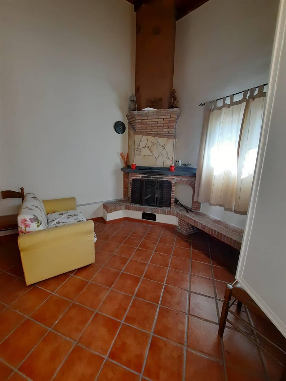 Appartamento in affitto a Belpasso, 1 locali, prezzo € 300   CambioCasa.it