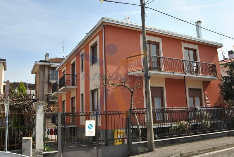 Soluzione Indipendente in vendita a Cesano Boscone, 3 locali, prezzo € 265.000 | CambioCasa.it