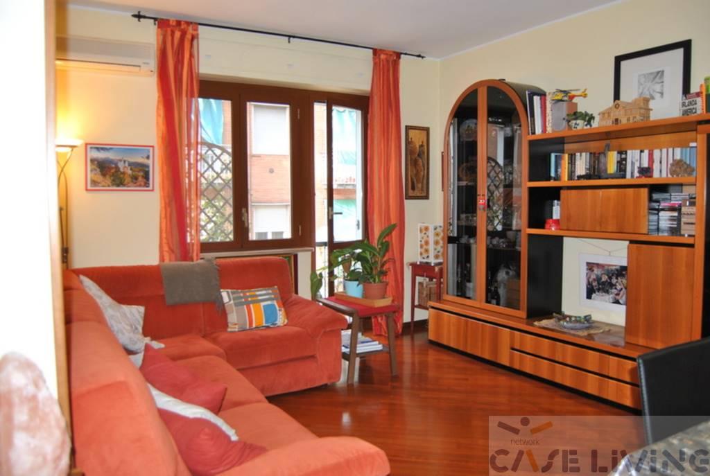 Appartamento in vendita a Cesano Boscone, 3 locali, prezzo € 165.000 | CambioCasa.it