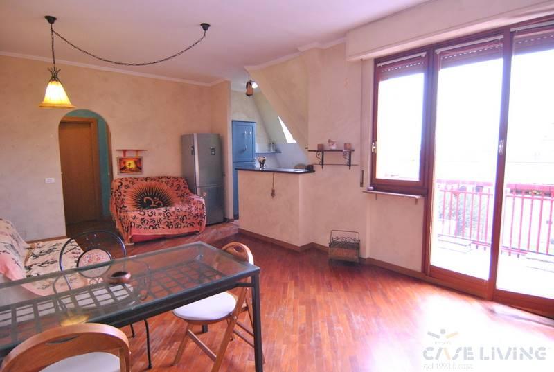 Appartamento in vendita a Cesano Boscone, 2 locali, prezzo € 120.000 | CambioCasa.it