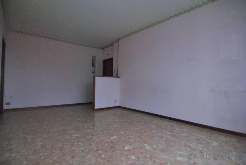 Appartamento in vendita a Cesano Boscone, 2 locali, prezzo € 118.000 | CambioCasa.it