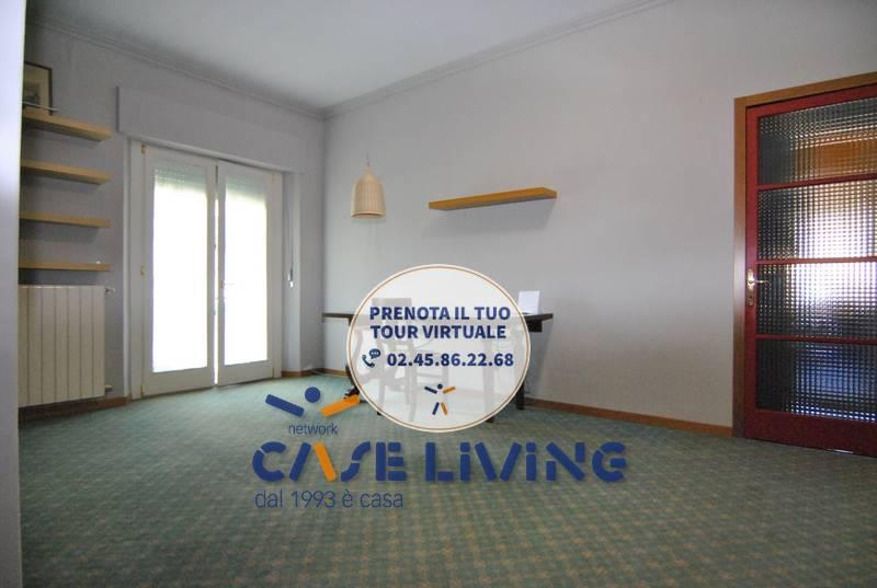 Appartamento in vendita a Cesano Boscone, 3 locali, prezzo € 200.000   CambioCasa.it