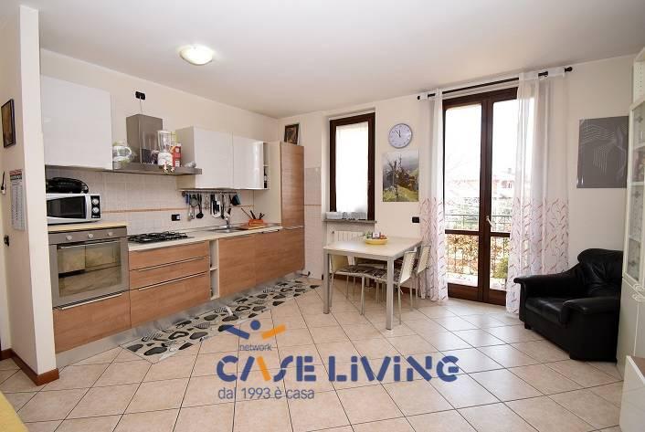 Appartamento in vendita a Casarile, 3 locali, prezzo € 150.000   CambioCasa.it