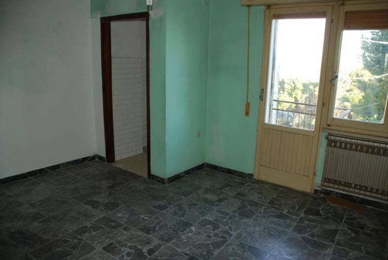 Soluzione Indipendente in vendita a Senigallia, 8 locali, zona Zona: Roncitelli, prezzo € 55.000 | CambioCasa.it