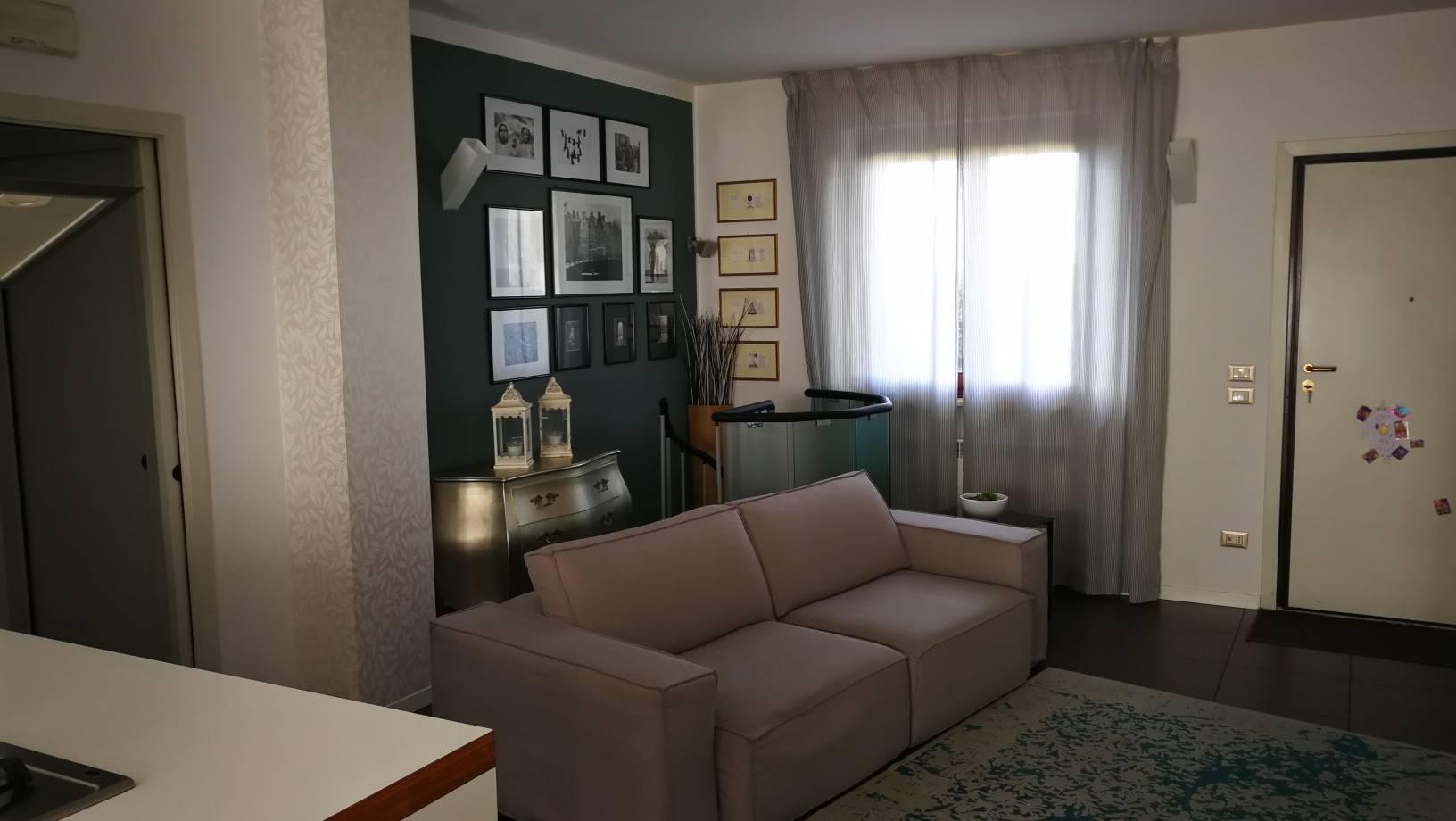Appartamento in vendita a Ostra, 5 locali, prezzo € 165.000 | CambioCasa.it