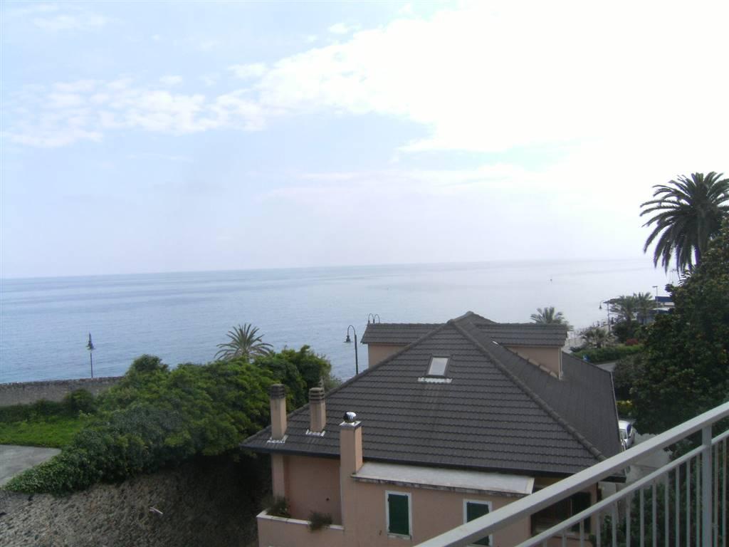 Quadrilocale in Via Aurelia Di Levante, Cogoleto