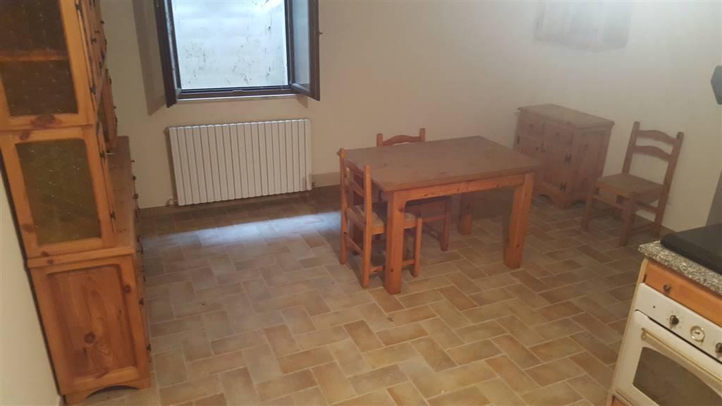 Appartamento in vendita a Rosora, 4 locali, Trattative riservate | CambioCasa.it