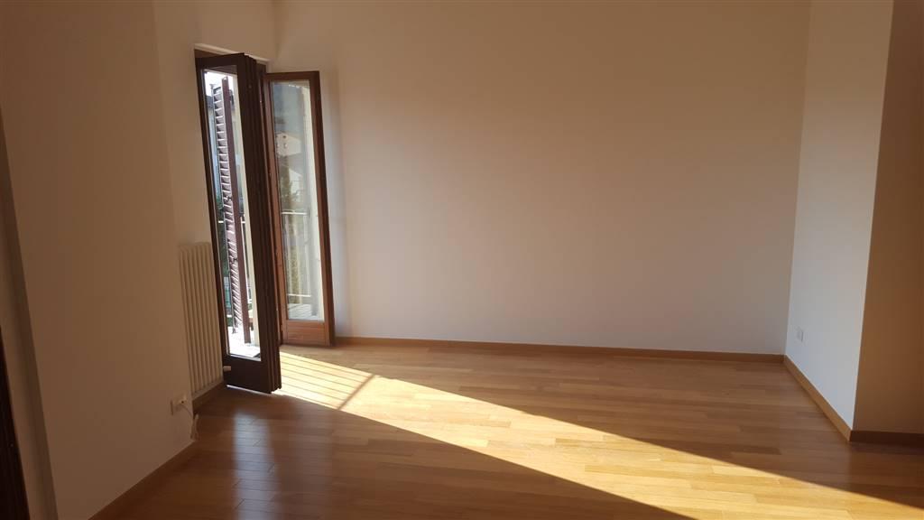 Appartamento in affitto a Maiolati Spontini, 4 locali, zona Zona: Moie, prezzo € 500   CambioCasa.it