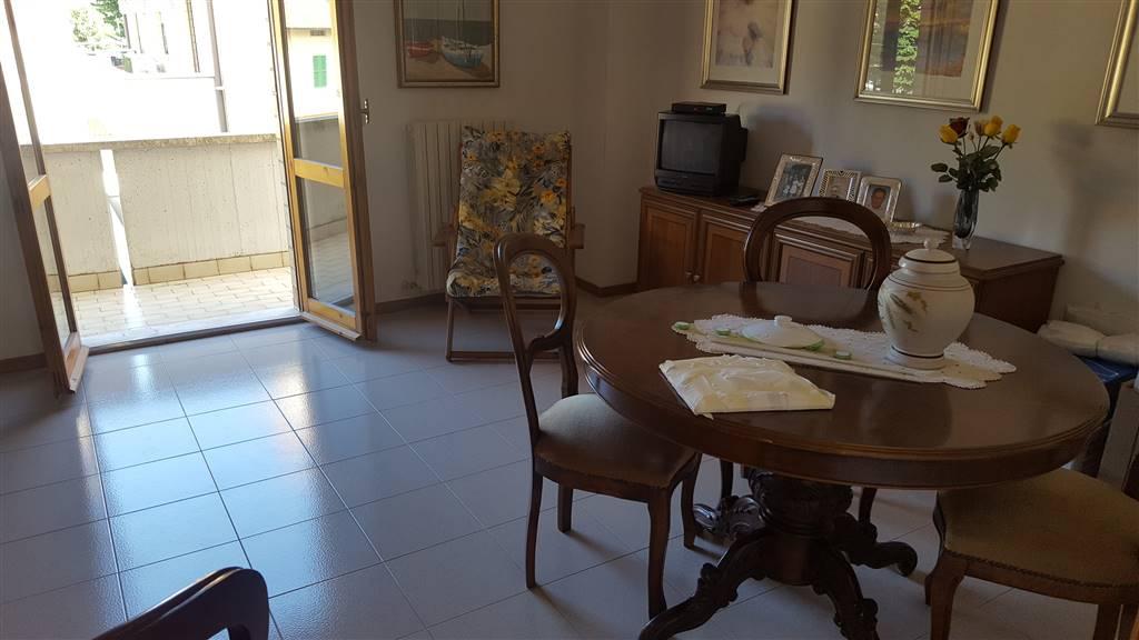 Appartamento in affitto a Castelplanio, 5 locali, zona Località: STAZIONE, prezzo € 450 | CambioCasa.it