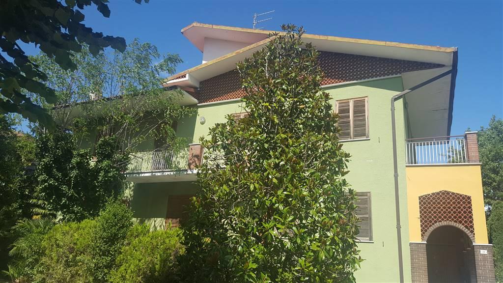 Soluzione Indipendente in vendita a Montecarotto, 7 locali, Trattative riservate | CambioCasa.it