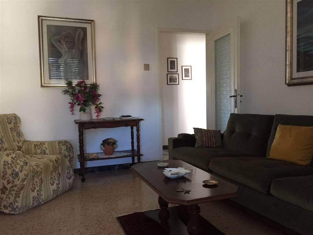 Appartamento in vendita a Staffolo, 4 locali, prezzo € 75.000 | CambioCasa.it