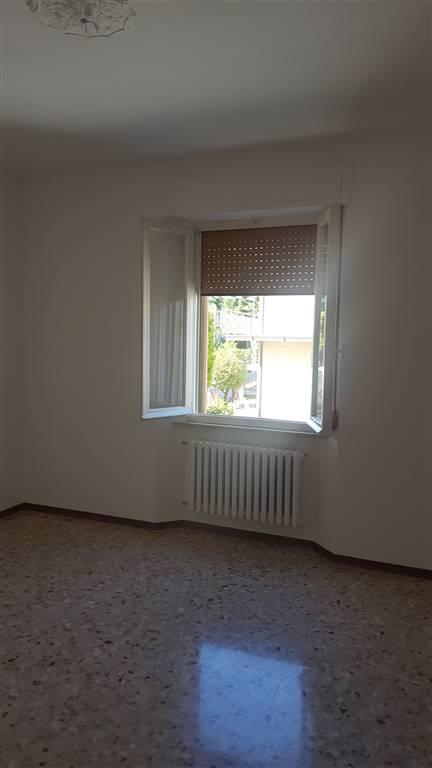 Appartamento in affitto a Castelbellino, 5 locali, zona Zona: Castelbellino Stazione, prezzo € 450   CambioCasa.it