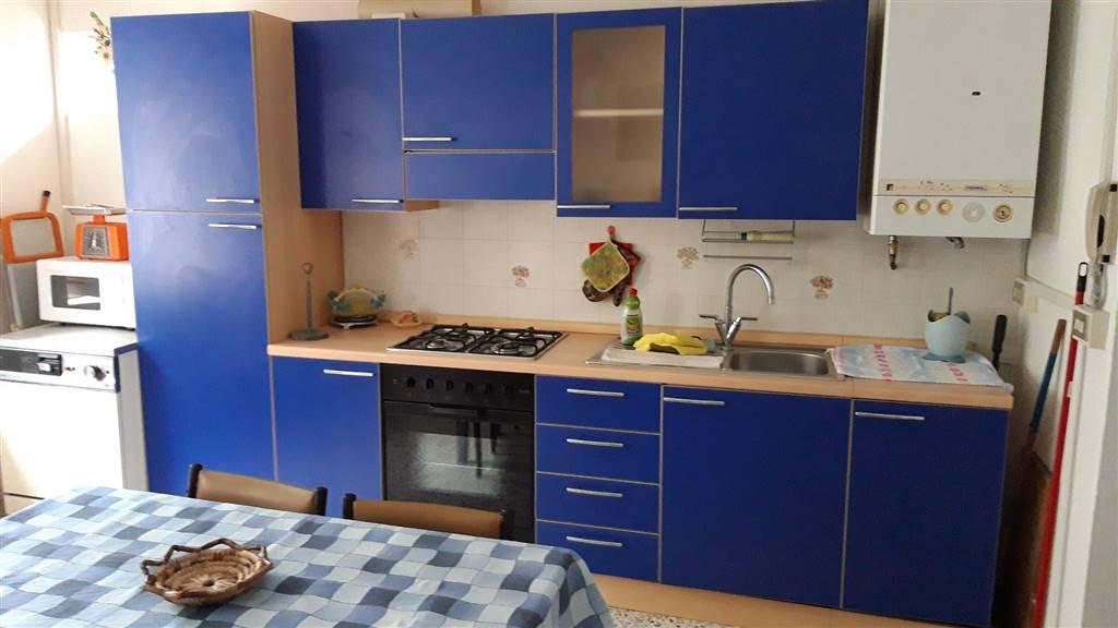 Appartamento in vendita a Cupramontana, 5 locali, prezzo € 45.000 | CambioCasa.it