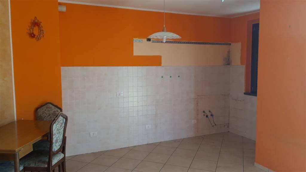 Appartamento in vendita a Cupramontana, 4 locali, prezzo € 85.000 | CambioCasa.it