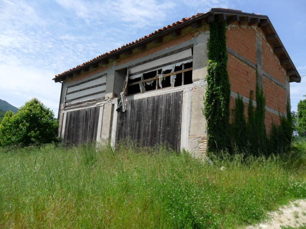 Magazzino in vendita a Serra San Quirico, 9999 locali, zona Zona: Sasso, prezzo € 79.000 | CambioCasa.it