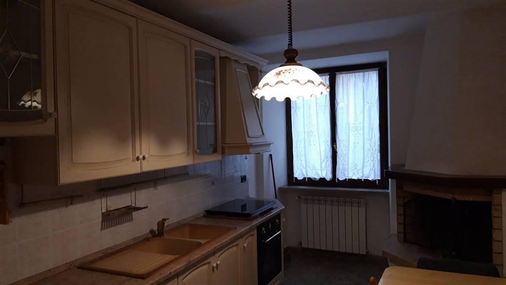Appartamento in vendita a Rosora, 3 locali, zona Zona: Angeli, prezzo € 35.000 | CambioCasa.it