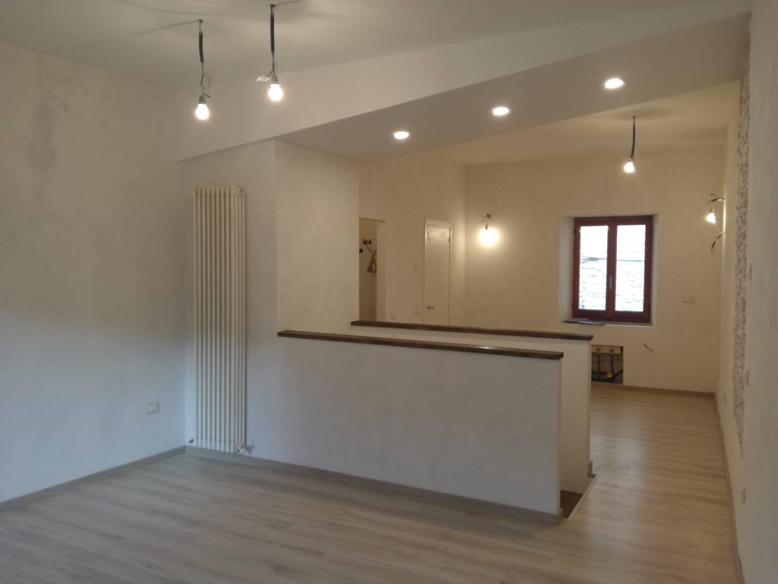 Appartamento in vendita a Serra San Quirico, 4 locali, prezzo € 52.000 | CambioCasa.it