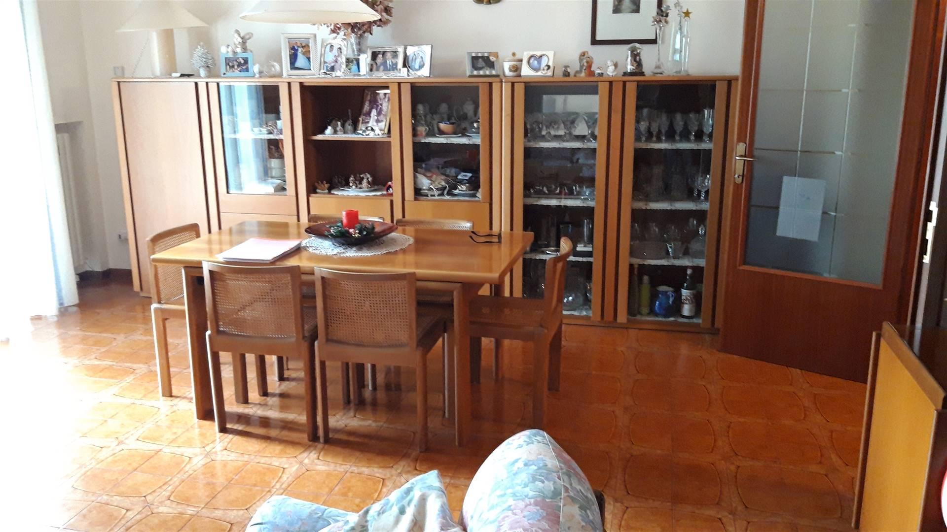 Appartamento in vendita a Serra San Quirico, 6 locali, prezzo € 95.000 | CambioCasa.it