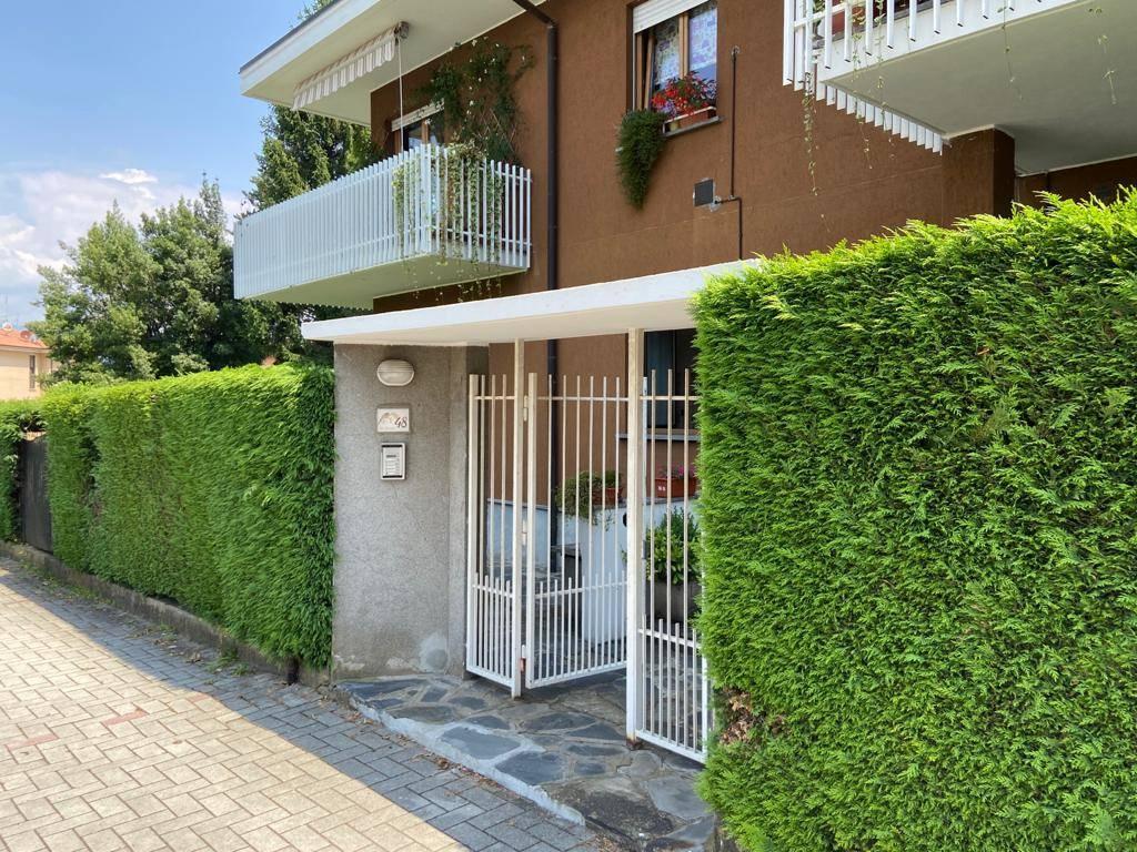 Appartamento in vendita a Laveno-Mombello, 2 locali, prezzo € 60.000 | CambioCasa.it