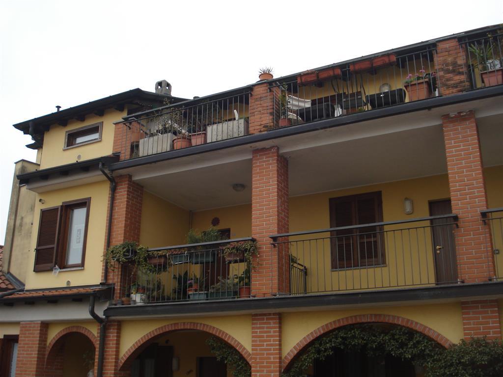 Appartamento in vendita a Morazzone, 3 locali, prezzo € 160.000 | CambioCasa.it