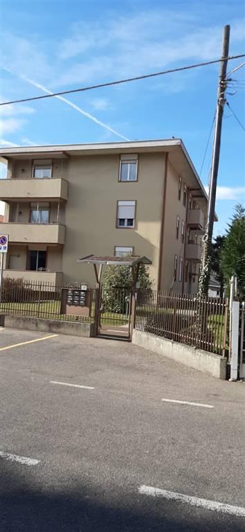 Appartamento in vendita a Cardano al Campo, 3 locali, prezzo € 120.000 | CambioCasa.it
