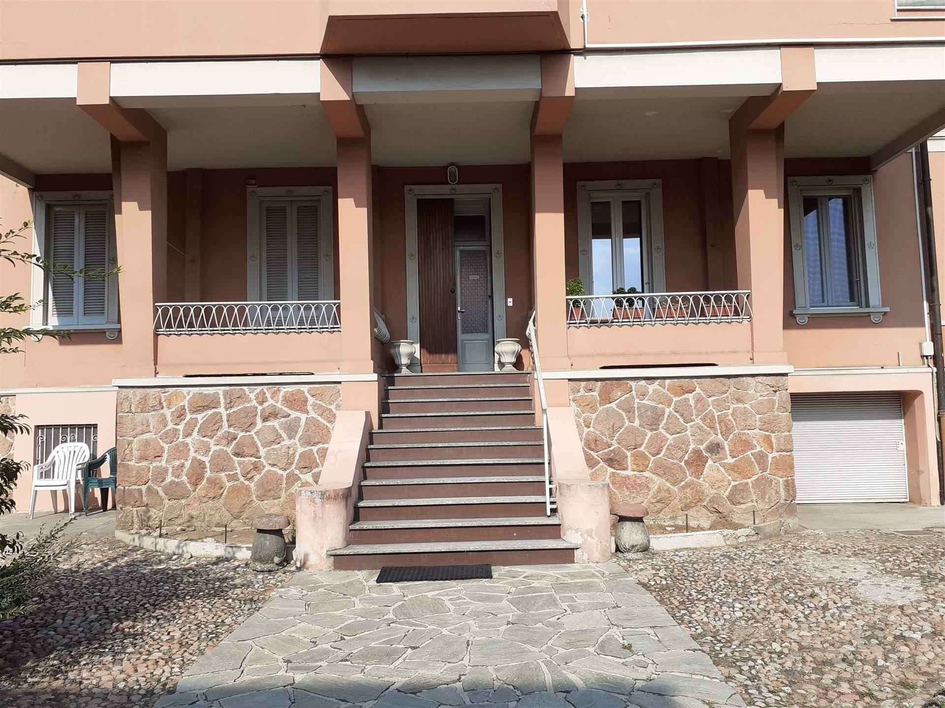 Appartamento in affitto a Varese, 2 locali, zona Zona: Casbeno, prezzo € 530 | CambioCasa.it