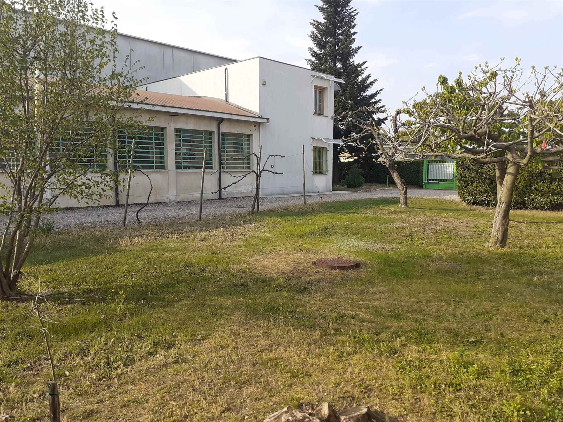 Laboratorio in vendita a Gallarate, 9999 locali, zona rè, prezzo € 330.000   PortaleAgenzieImmobiliari.it