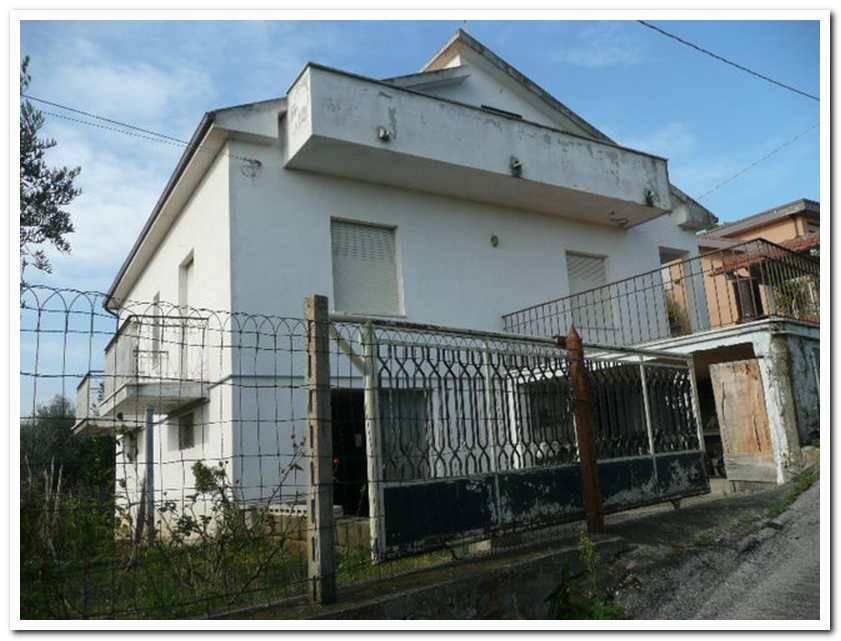 Vendita casa singola contrada coderuto 18 francavilla al - Ristrutturare casa al mare ...