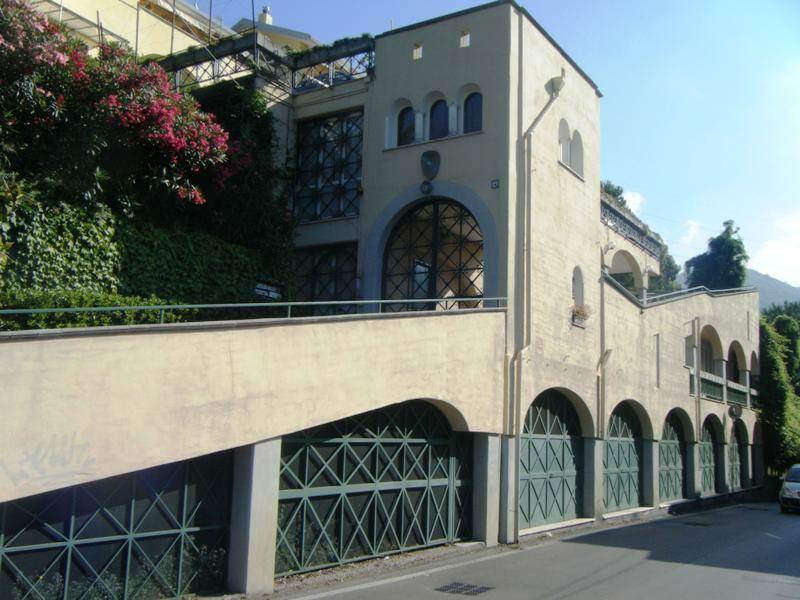 Locale commerciale in Via San Giovanni Bosco  10, Cava De' Tirreni