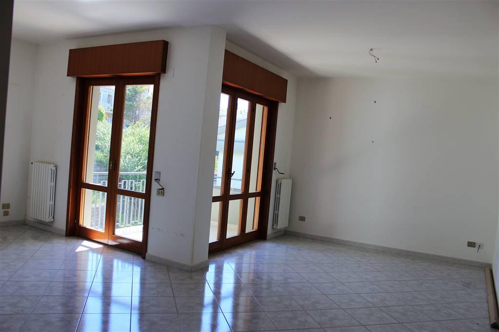 Appartamento, Ginestre , Sala Abbagnano , Panoramica , Casa Manzo, Salerno, in ottime condizioni