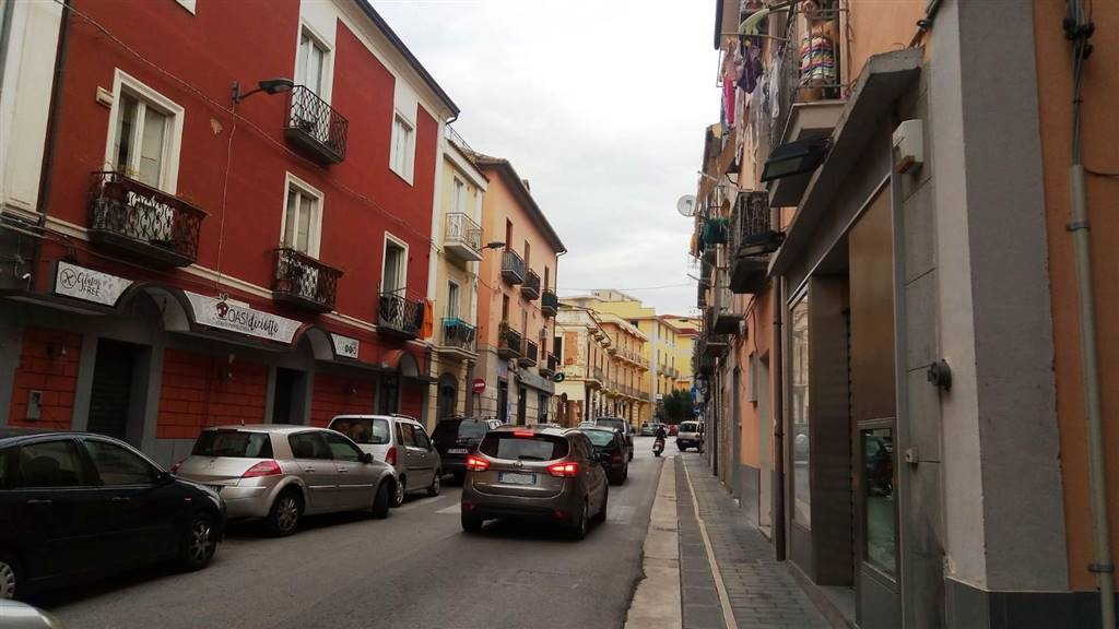Trilocale in Via Ugo Pepe, Fratte, Salerno