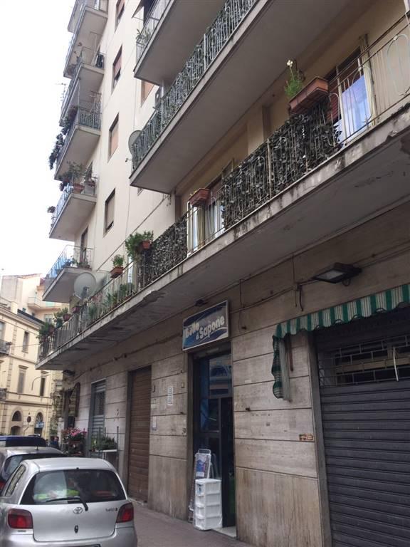 Negozio in Via Crispi 29, Carmine, Salerno
