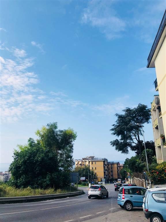Trilocale in Via Mattia Farina 145, Torrione Alto, Salerno