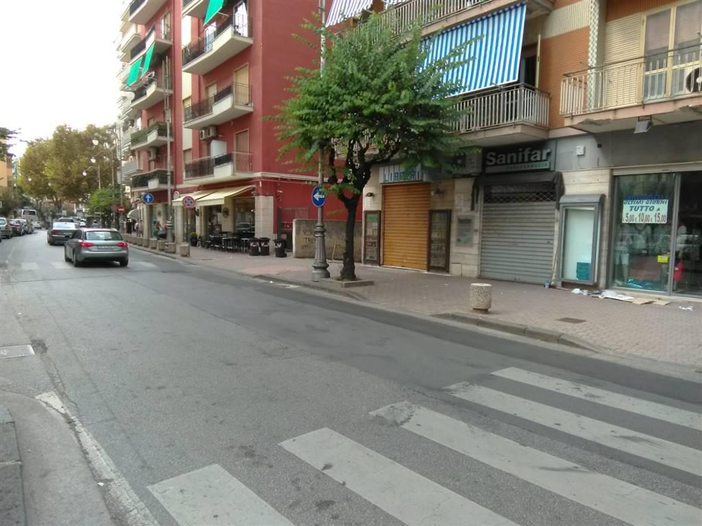 Negozio, Torrione, Salerno, abitabile