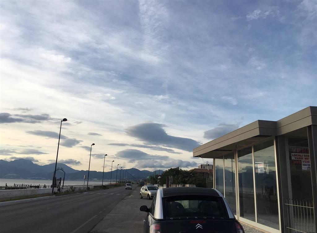 Locale commerciale in Via Mar Ionio, Pontecagnano Faiano